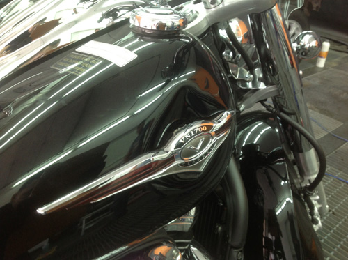 вмятина на бензобаке мотоцикла